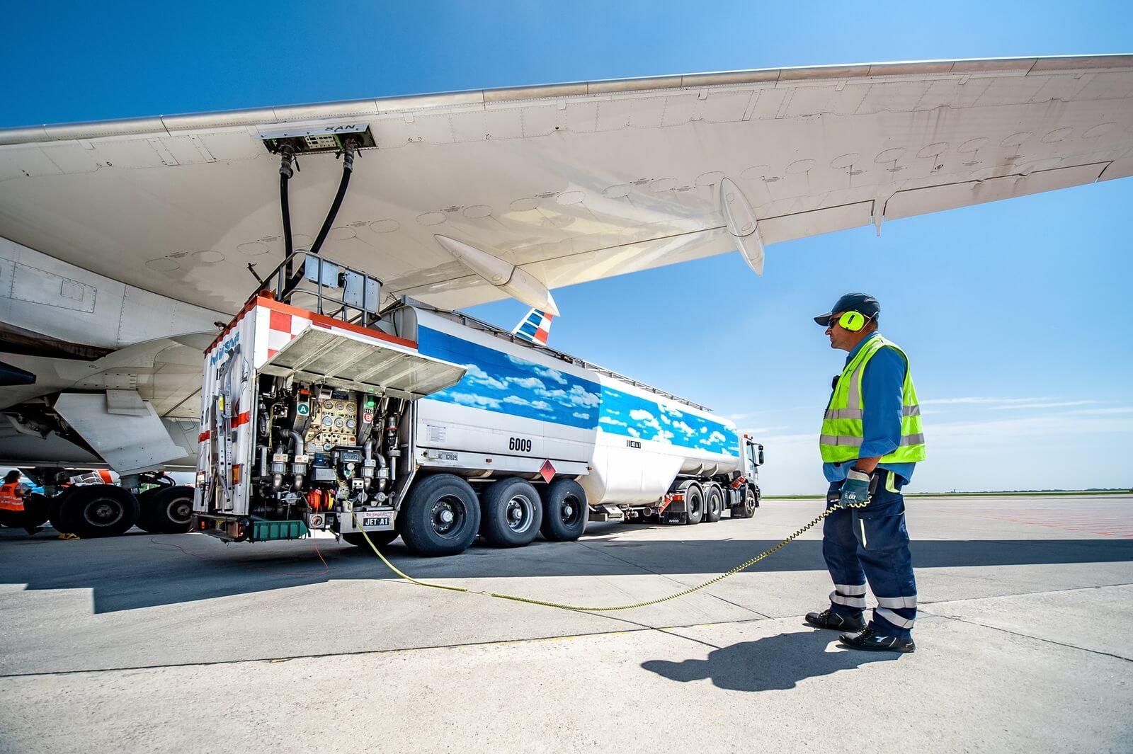 Rifornimento Jet Fuel - Levorato Marcevaggi
