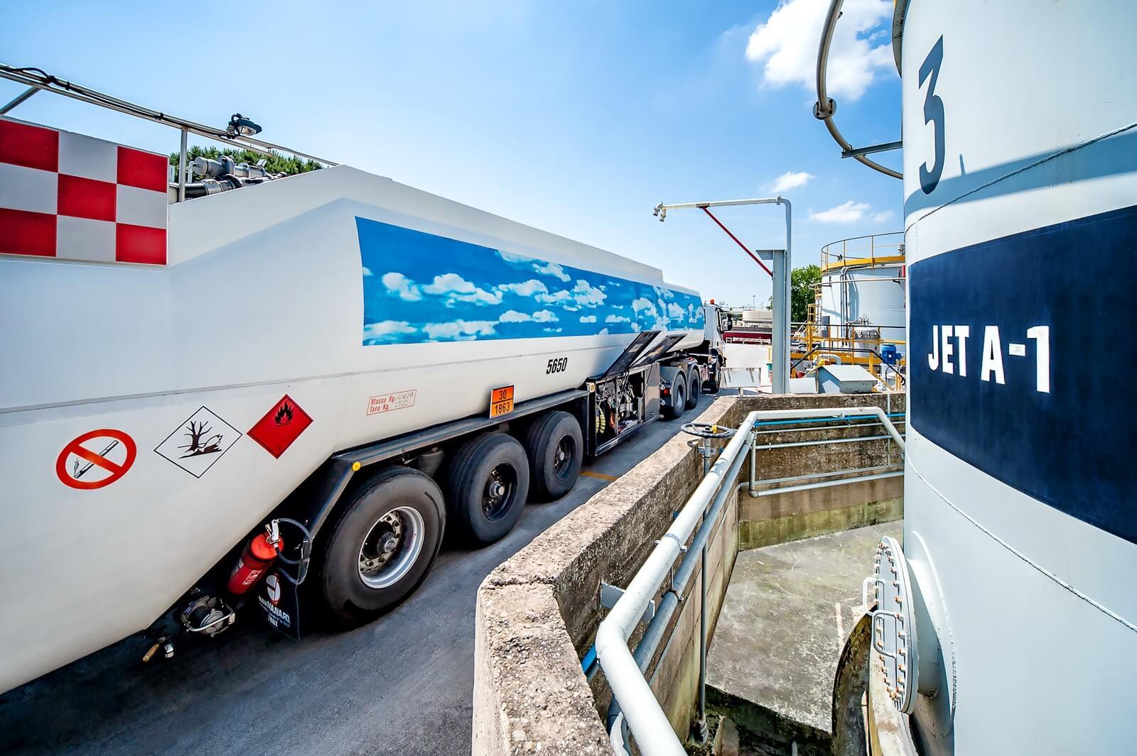 Manutenzione mezzi trasporto gas - Levorato Marcevaggi