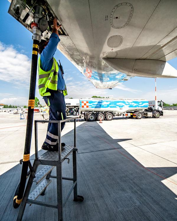 Servizio di stoccaggio e messa a bordo di Jet fuel - Levorato Marcevaggi